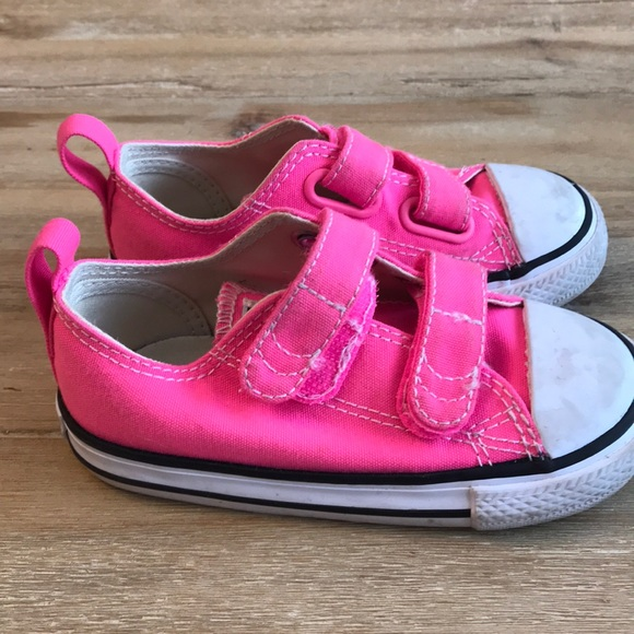 Converse Other - Pink toddler converse fc0670542
